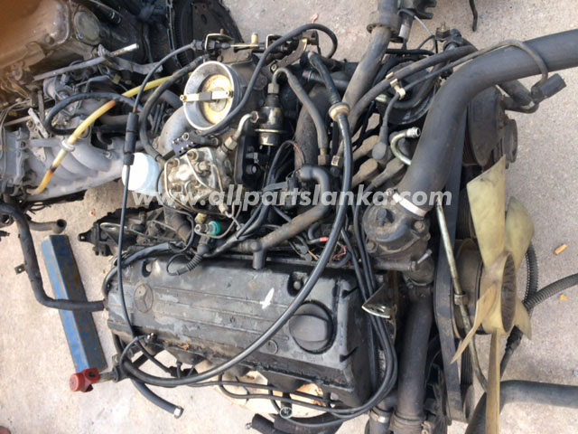 Mercedes Benz W126 Petrol Engine with Wire Loom